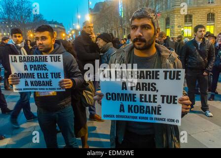 """Paris, Frankreich. Demonstration gegen den Terrorismus nach Angriff auf die französische Zeitung """"Charlie Hebdo"""", - Stockfoto"""