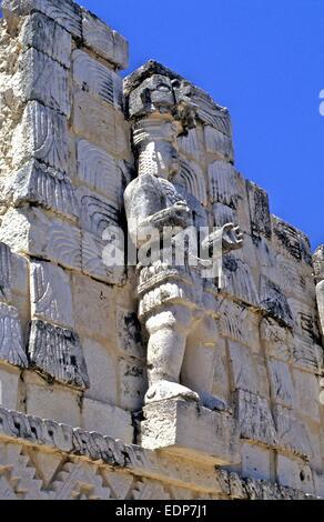 Detaillierten Schnitzereien der Götter auf Maya Ruinen in Mexiko - Stockfoto
