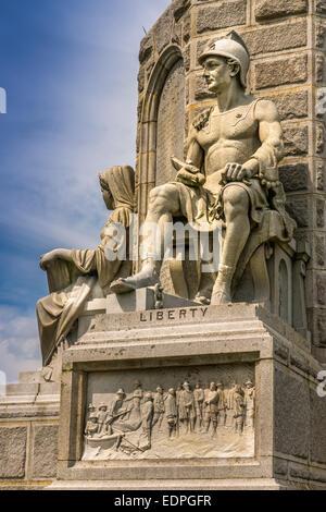 Liberty, ein Eckpfeiler der Vorfahren-Denkmal in Plymouth, Massachusetts - USA - Stockfoto