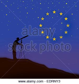 Mann auf der Suche durch Teleskop beobachten Europäische Union Flag-Konstellation - Stockfoto