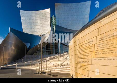 Die Walt Disney Concert Hall, entworfen von Frank Gehry, Los Angeles, Kalifornien, USA - Stockfoto