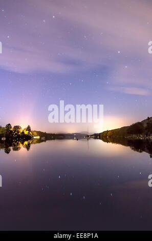 """Die Sterne Nachthimmel über Windermere einschließlich das Sternbild """"The Plough"""" - Stockfoto"""