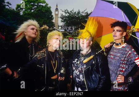 eine kleine gruppe von punk-rocker, ca. 80er jahre