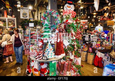 Vero Beach Florida Cracker Barrel Country Store einkaufen Anzeige Verkauf Weihnachtsschmuck - Stockfoto