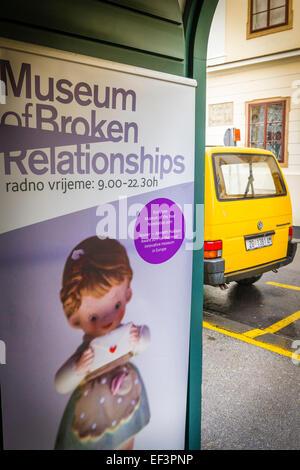 Eingang zum Museum der gebrochen Beziehungen in der alten Stadt Gradec, Zagreb, Kroatien - Stockfoto
