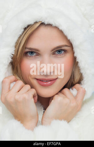 Porträt einer schönen Frau posiert - Stockfoto
