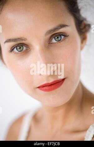Porträt einer schönen Frau - Stockfoto