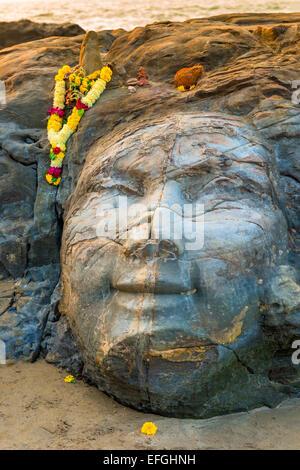 Closeup Gesichtsbild von Shiva am Strand - Stockfoto