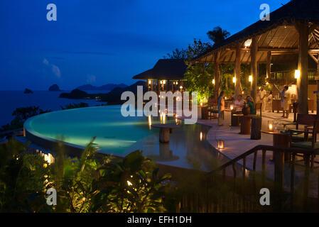 Six Senses Resort, Koh Yao Noi, Bucht von Phang Nga, Thailand, Asien. Restaurant in der Nähe der Pool namens The - Stockfoto