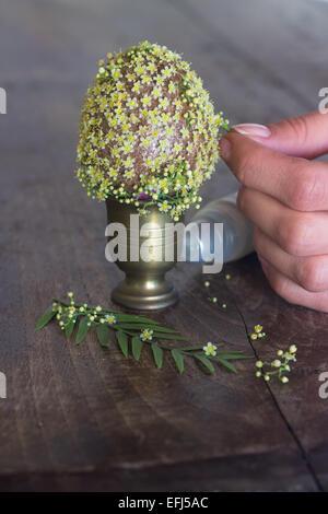 Crafting Hande Dekorieren Dekoration Blumen Osterei Geschenk Machen