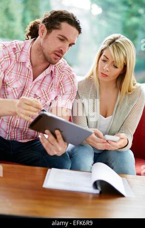 Paar, arbeiten, Finanzen - Stockfoto