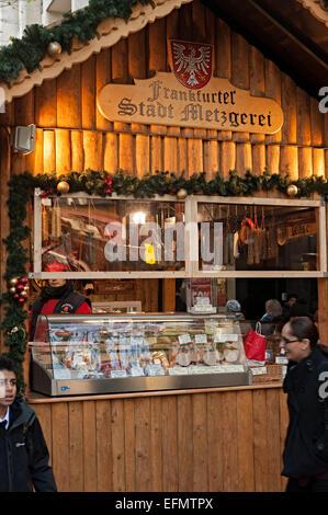 Birmingham deutsche Frankfurter Weihnachtsmarkt einer der größten in Europa. mit Bier und Geschenk Ständen alle - Stockfoto