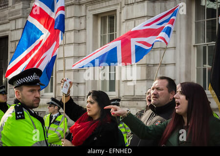 London, UK. 8. Februar 2015. Britain First Gruppe Counter Protest muslimische Demonstration Credit: Guy Corbishley/Alamy - Stockfoto