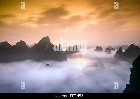 Karstberge von Xingping, China. - Stockfoto