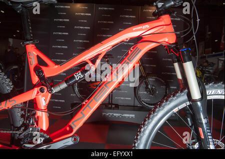 Excel, London, UK. 12. Februar 2015. Die London Bike Show läuft für 4 Tage, mit den neuesten Modellen der Straße, - Stockfoto