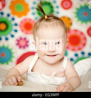 kleines Mädchen mit Down-Syndrom - Stockfoto