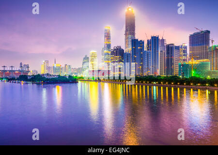 Guangzhou, China Stadtbild über den Perlfluss.