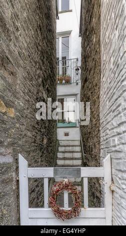 Awesome ... Haus, Eingangsschild, Zaun, Tor, Alte Architektur, Stufen Und Treppen,  Kondensation