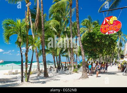 weißer Strand-Bars auf der tropischen Insel Boracay Philippinen - Stockfoto