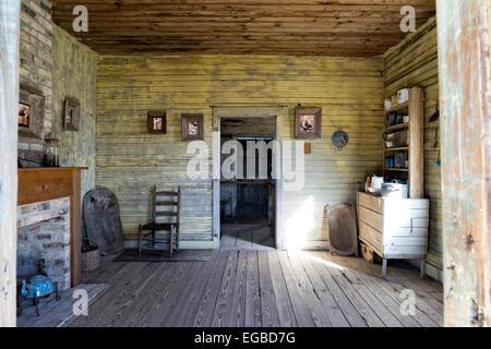 Blick in einen Sklaven Cabin, Laura Creole Plantation, New Orleans, Louisiana - Stockfoto