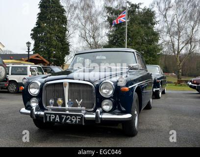 Enfield, Middlesex, UK. 22. Februar 2015. Besitzer von Rover Autos aller Altersgruppen beginnen die Turniersaison - Stockfoto