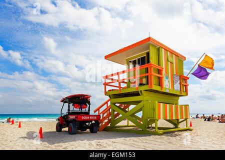 Ozean Fahrzeug und Rettungsschwimmer Rettungsstation am South Beach, Miami, Florida, USA - Stockfoto