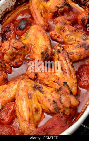 Chicken Wings Witn würzige Tomatensauce - Stockfoto