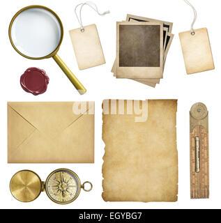 Alte e-Mail-Nachrichten, Papier, Preisschilder, Polaroid Rahmen, Wachssiegel, Kompass, isoliert - Stockfoto
