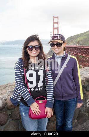 Asiatische Frauen, für Fotografie, Touristen, Besucher posieren, Besuch, nördlich der Golden Gate Bridge, Vista - Stockfoto