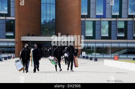 Demonstranten und Studenten an der Sussex University Falmer Campus wütend an Spitze der Metropolitan Police einen - Stockfoto