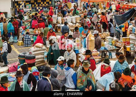 Ecuador, Cotopaxi, Zumbahua, das Dorf von Zumbahua Markttag, Gesamtansicht des wachsenden Marktes - Stockfoto