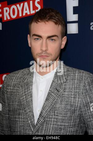 New York, NY, USA. 9. März 2015. Tom Austen im Ankunftsbereich für THE ROYALS Serie Premiere auf E!, The Top of - Stockfoto