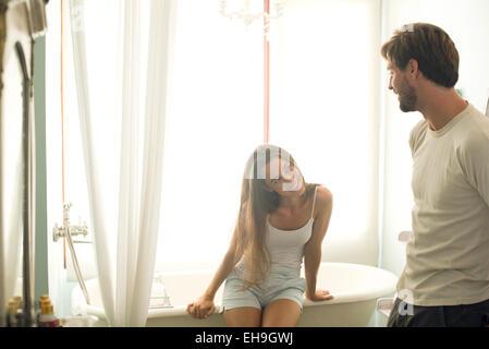 junges paar in der badewanne mit romantischen zeit stockfoto bild 27233735 alamy. Black Bedroom Furniture Sets. Home Design Ideas