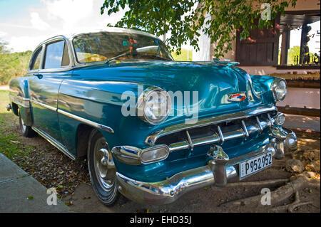 Horizontale Nahaufnahme eines alten amerikanischen Auto in Kuba. - Stockfoto