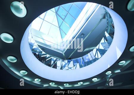 Blaues Glasdecke mit konzentrischen circls - Stockfoto