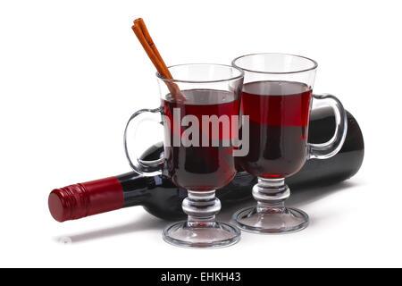 Glühwein Glas Wein isoliert auf weiße, flache Fokus - Stockfoto