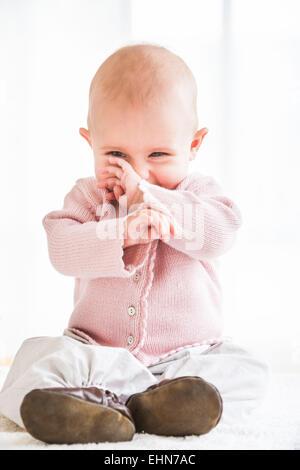 7 Monate altes Babymädchen. - Stockfoto