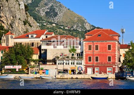 Böschung in alte Stadt Omis, Kroatien - Stockfoto