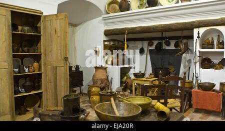 ... Alte Küche In Einem Primitiven Rustikalen Stil Reproduktion, Badajoz,  Spanien   Stockfoto