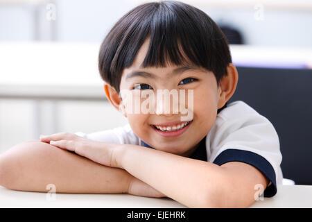Grundschule-Mädchen in der Klasse - Stockfoto