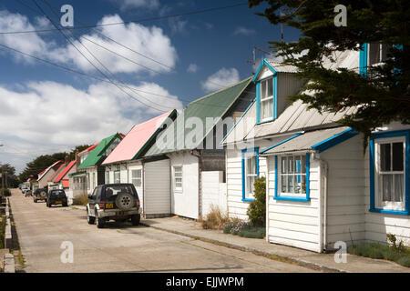 Falkland-Inseln, Port Stanley, Allardyce Street, traditionelle Zinn-roofed Stadt Zentrum Häuser - Stockfoto