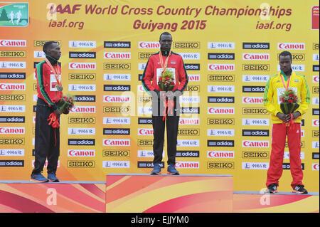 Guiyang, China Provinz Guizhou. 28. März 2015. Goldmedaillengewinner von Geoffery Kipsang Kamworor (C) Kenia, Silbermedaillengewinner - Stockfoto
