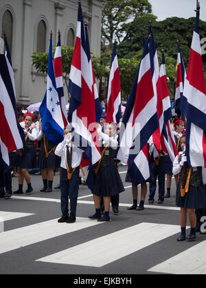 Costa Rican Independence Day-Parade in San Jose. - Stockfoto