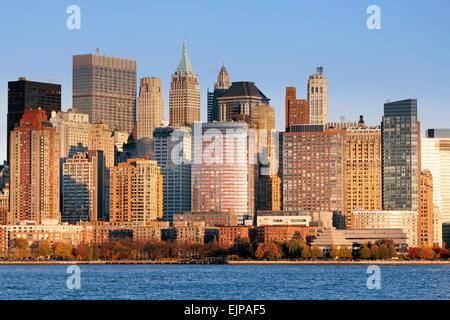 Downtown Manhattan über den Hudson River, New York, Manhattan, Vereinigte Staaten von Amerika - Stockfoto