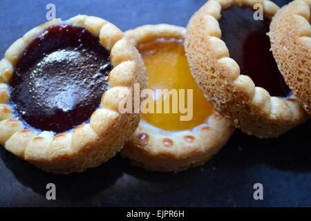 Marmelade, Brötchen - Stockfoto