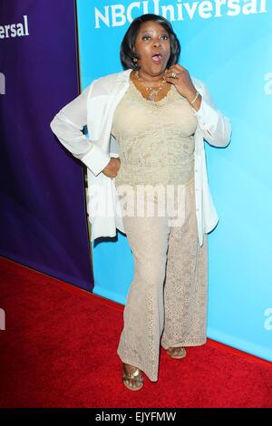 Los Angeles, Kalifornien, USA. 2. April 2015. Loretta Devine besucht NBC Universal Sommer Presse Tag 2015 im The - Stockfoto