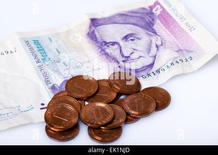 Ehemalige Deutsche Geld Pfennig Auf 10 Mark Banknote Stockfoto