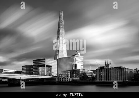 Die Scherbe und London Bridge, London, England Stockfoto