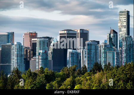 Blick auf die Innenstadt von Wolkenkratzern, Vancouver, Britisch-Kolumbien, Kanada - Stockfoto