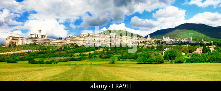 Panorama Blick auf Assisi, religiöse Stadt in Umbrien, Italien - Stockfoto
